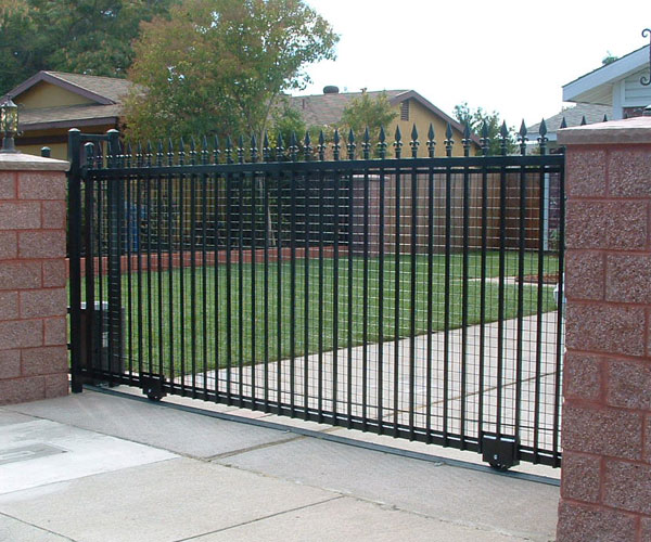 Perfect Retractable Driveway Gate   Stockton
